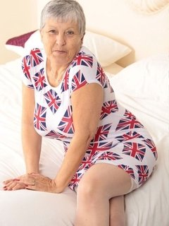 Hello guysGoing all patriotic in my Union Jack Dress, come and check it out xxx